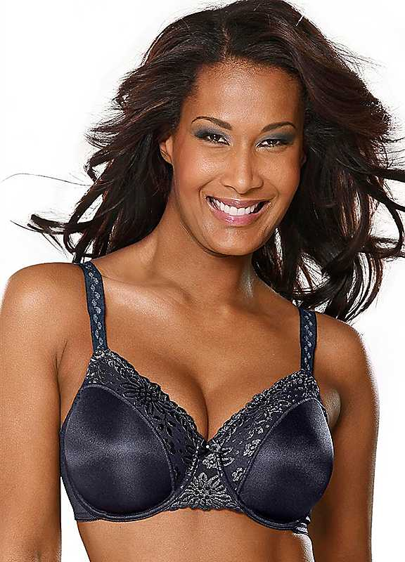 Plus Size Triumph Ladyform Soft R Minimiser Bra in Black size 42DD